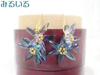 〜青いグラデーションの花が2つ〜ピアス(イヤリング)|手作りアクセサリー工房みるいる