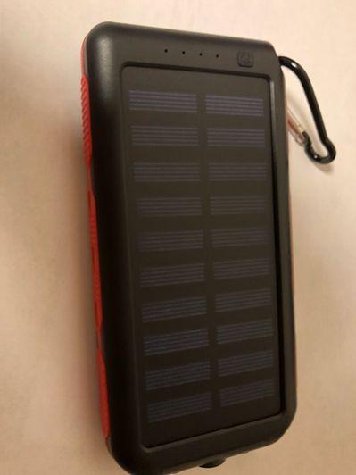 ソーラーパネルモバイル用バッテリー
