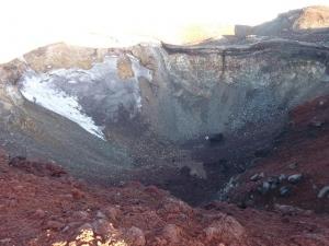 20100825  富士山山頂火口の絶景スポット