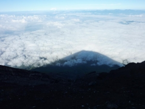 20100825 富士山山頂影富士(ミニ)
