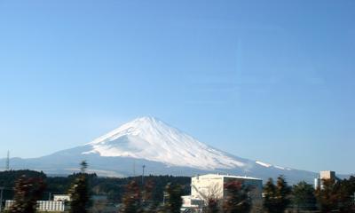 東名高速から見る富士山2007年2月