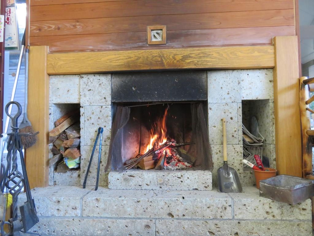 こうもり穴暖炉