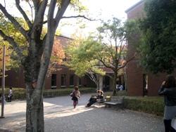 知真館3号館の入り口