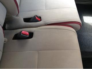 自動車シートの焦げ穴の補修