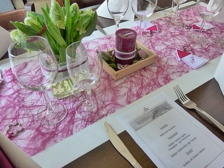 結婚披露宴テーブルライナー