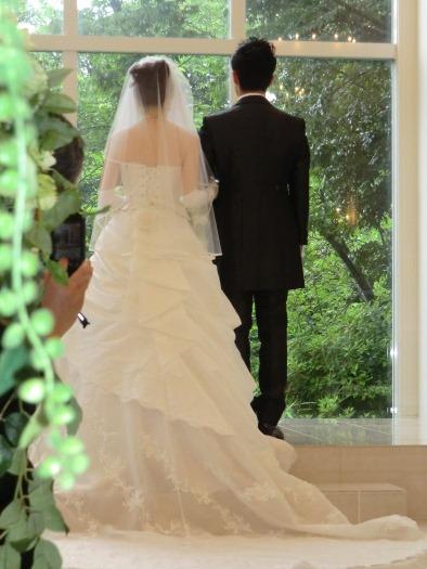 白いウエディングドレス