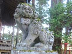 塩原八幡宮 右の狛犬