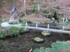 塩原八幡宮 境内の池