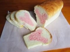 ハートのミニ食パン