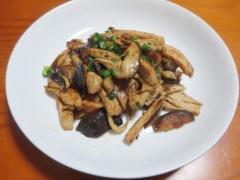 鶏肉と椎茸のニンニク醤油炒め
