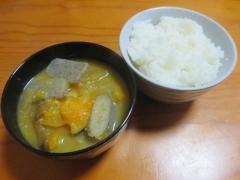 カボチャ味噌汁、ご飯