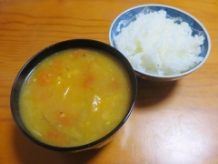 トマトスープ、ご飯