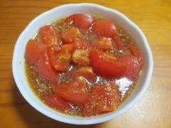 トマトのゴマあえ