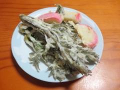 タラの芽とかまぼこの天ぷら