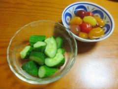 キュウリ、ミニトマトのシロップ漬け