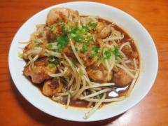 鶏肉とモヤシの炒め物