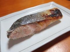 鮭の酒粕漬けを焼いたやつ