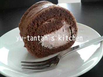 簡単♪ショコラロールケーキ☆