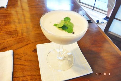 湯田ミルクのラッシー