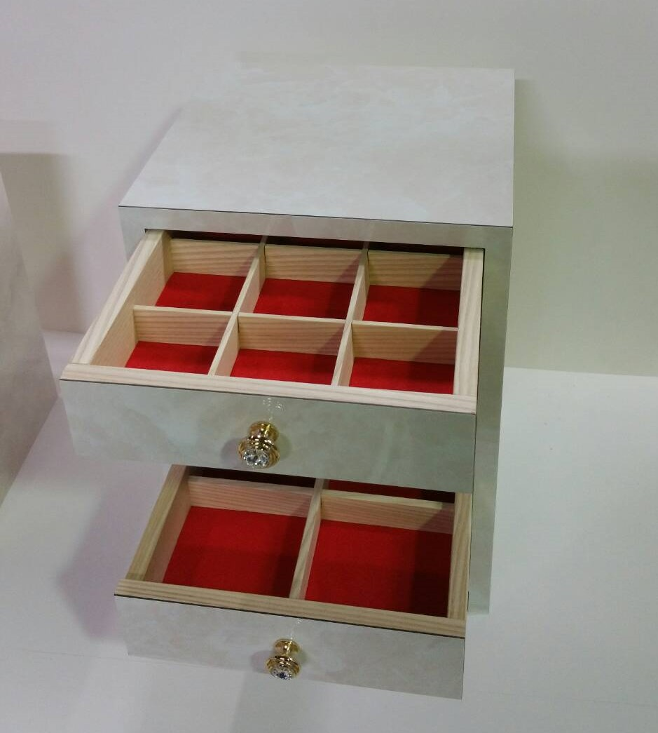 アクセサリーボックス ホワイト系 木工品
