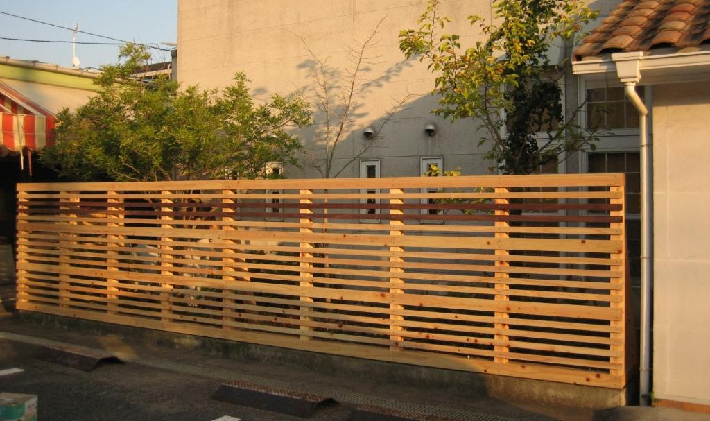 木製の柵 山下建具店