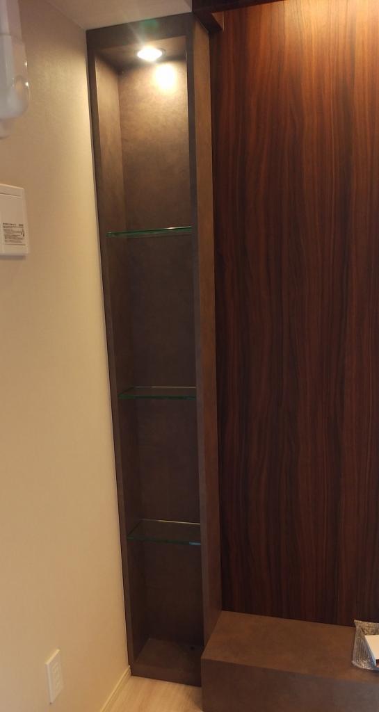 造作家具 棚 照明付き ブラウン系 株式会社山下建具店
