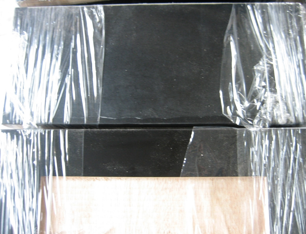造作家具 棚板 ブラック系 株式会社山下建具店