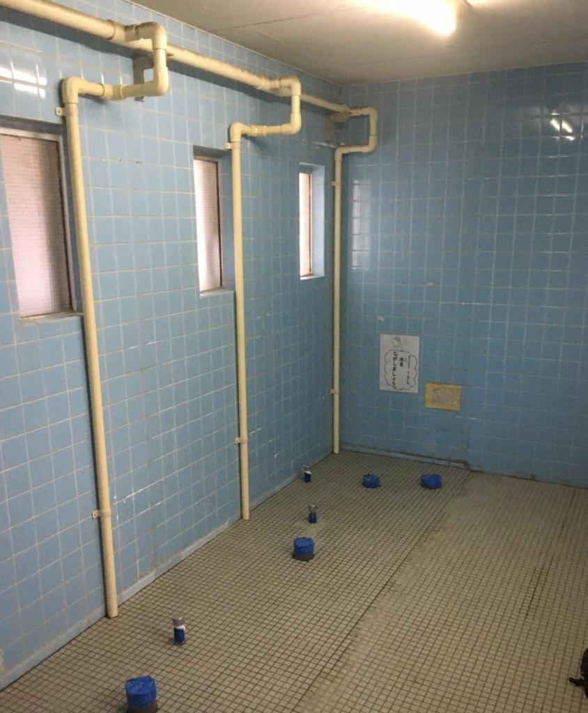 リフォーム トイレ 仕切りパネル ドア メラミン化粧板貼り 株式会社山下建具店