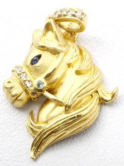 金製品 画像 K24 純金 ペンダントトップ ホース 馬 石付