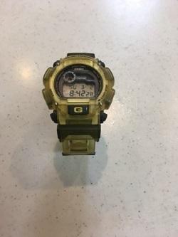 腕時計 画像 G-SHOCK スケルトンイエロー 美品