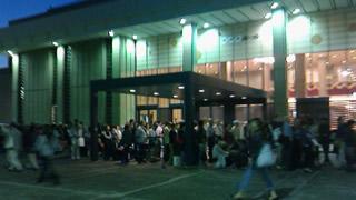 NHKホール前 歌謡コンサート 並びの列