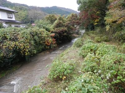 須佐神社横の須佐川