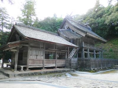 神魂神社拝殿と本殿