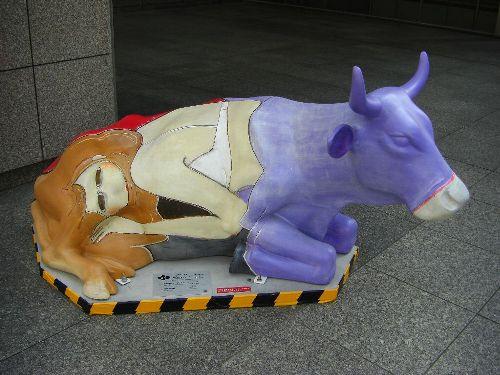 丸の内カウパレードの牛