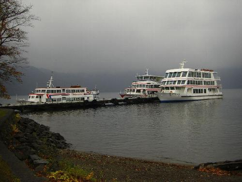 十和田湖畔の遊覧船