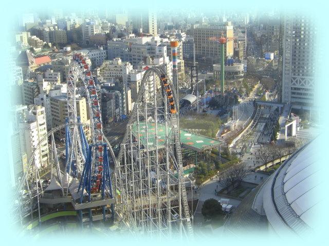 東京ドームシティのジェットコースターと観覧車