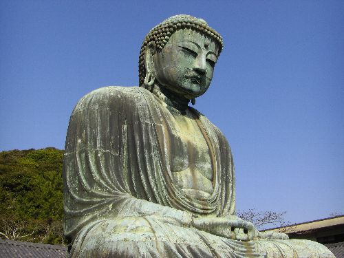 国宝銅作阿弥陀如来坐像、通称鎌倉大仏