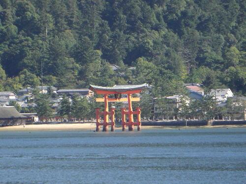 世界遺産宮島厳島神社の鳥居