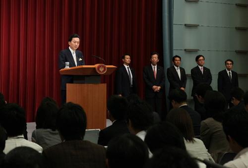 2009年9月16日夜の鳩山由紀夫首相の就任記者会見