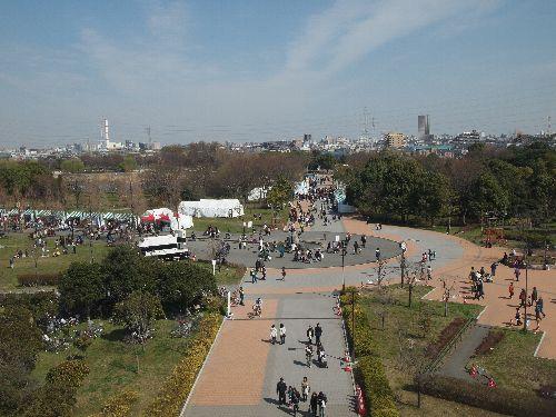 舎人公園東側