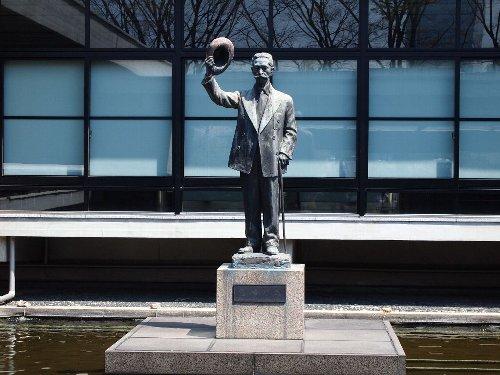 「憲政の神様」尾崎行雄翁