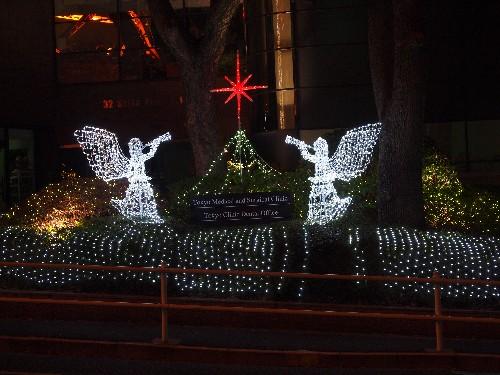 東京タワーの向かいにあるクリニックのクリスマスの飾り