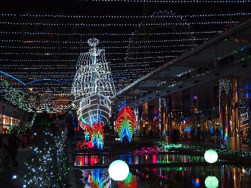 東京ドームの光の帆船「エルビス号」