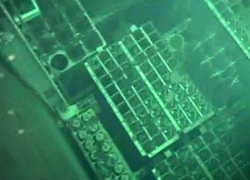 水中カメラで見た第四号機の使用済み核燃料貯蔵プール