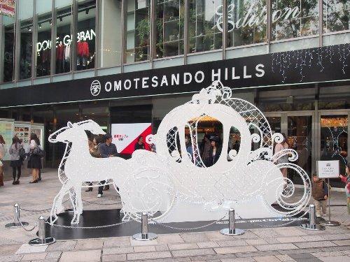 表参道ヒルズの馬車の模型