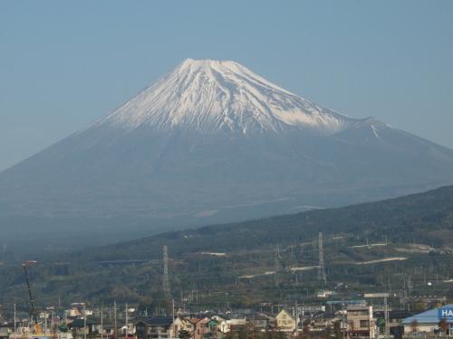 東海道新幹線の車窓から見た富士山