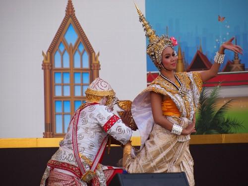 ラーチャパット・トンブリー舞踊団