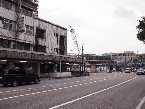 高岡駅前の寂れよう