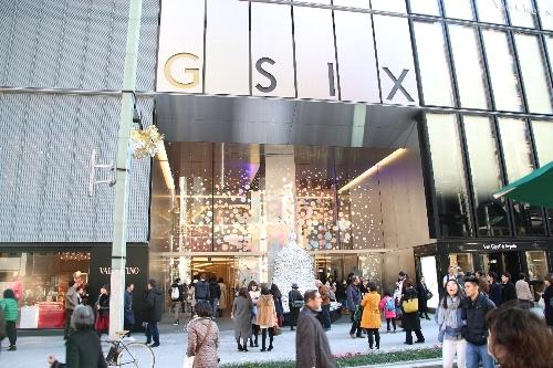 05 GINZASIXの入口