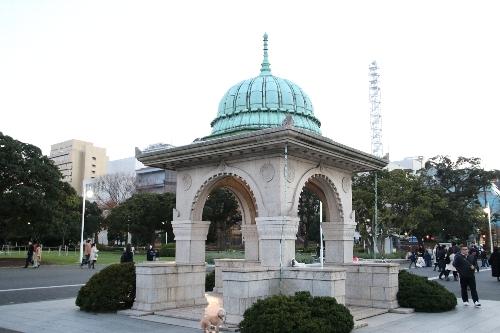 公園内のインド門